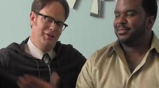 Rainn Wilson imita a Angus T. Jones y pide que no veas 'The Office'