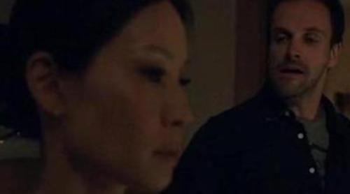 Sherlock Holmes define minuciosamente a la Watson de Lucy Liu en el estreno de 'Elementary'