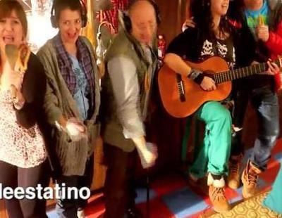 """Los personajes de 'Con el culo al aire' dan el cante con """"We Are The Churro"""""""
