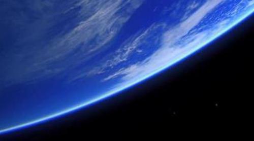 Tráiler extendido de 'The 100': los elegidos llegan a la Tierra con una misión