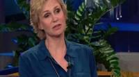 Jane Lynch se emociona al recordar a Cory Monteith en 'The Tonight Show'