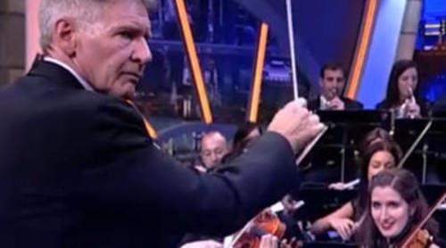 """Harrison Ford dirige a una orquesta en 'El Hormiguero' con la BSO de """"Indiana Jones"""""""