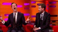 Benedict Cumberbatch imita a Chewbacca delante de Harrison Ford