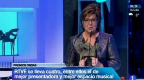 El 'Telediario matinal' sí ofreció imágenes de María Escario recogiendo su Premio Ondas