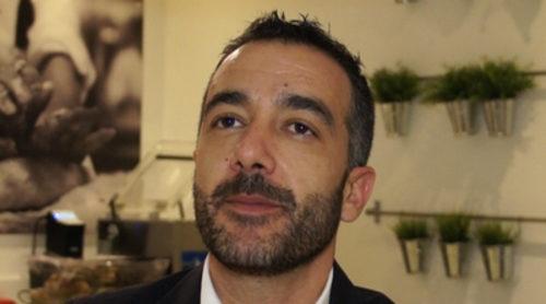 """Óscar Vega: """"'Deja sitio para el postre' sorprenderá porque el espectador no verá lo mismo en cada entrega"""""""