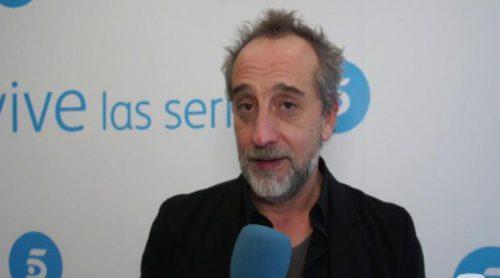 """Gonzalo de Castro ('B&b'): """"Los espectadores se verán reflejados con Pablo, no quiero ponerme chuminista, pero es una serie de aquí""""."""