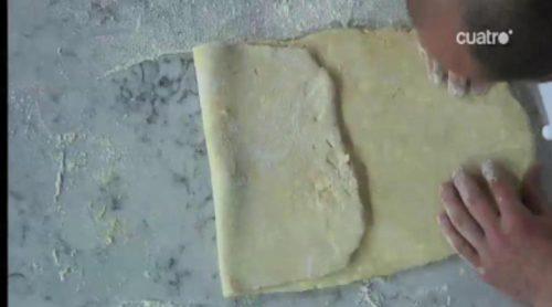Masterclass de Paco Torreblanca enseñando a hacer una milhoja en 'Deja sitio para el postre'
