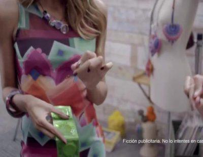 Una mujer quiere quedarse embarazada en el polémico anuncio de Desigual