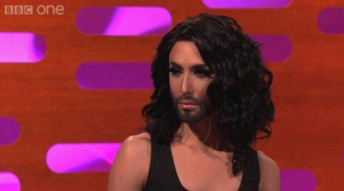 Conchita Wurst estrena en la BBC nuevo peinado convertida en un ídolo europeo