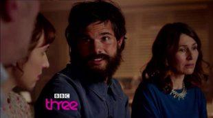 """Taylor Lautner (""""Crepúsculo"""") luce nuevo look barbudo en su nueva serie 'Cuckoo' de BBC Three"""