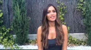 Sara Carbonero se moja y cumple el reto del cubo de agua helada