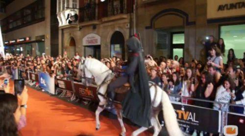 La espectacular alfombra naranja de 'Águila Roja' en el FesTVal 2014