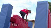 Allison Janney completa el circuito de 'American Ninja Warrior' a sus 54 años