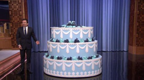 ¿Qué dos strippers salen de la tarta del 40 cumpleaños de Jimmy Fallon?