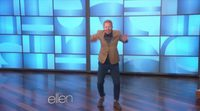 Jesse Tyler Ferguson demuestra sus peculiares dotes de baile