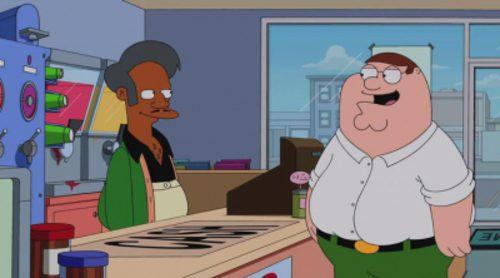 La familia Griffin entra en el badulaque de Apu de 'Los Simpson'