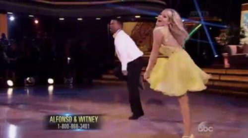 "Alfonso Ribeiro baila ""el baile de Carlton"" (It's Not Unusual) en 'Dancing With The Stars'"