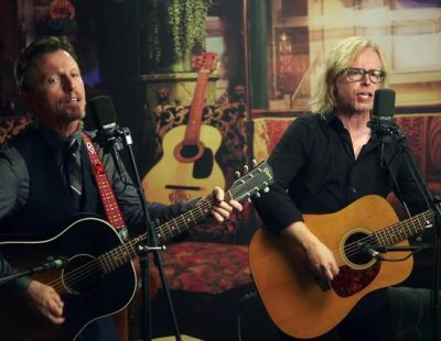 """The Rembrandts vuelven a cantar el """"I'll Be There for You"""" de 'Friends' en Netflix"""