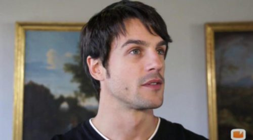 """Alejo Sauras ('Algo que celebrar'): """"Nadie haría mejor que yo de Raúl en la adaptación americana de 'Los Serrano'"""""""