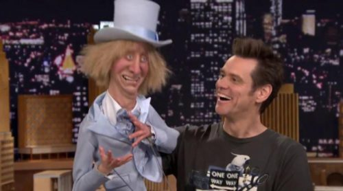 Jim Carrey canta con una marioneta de Jeff Daniels en el show de Jimmy Fallon