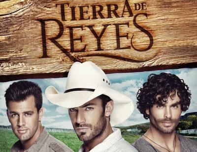 """Aarón Díaz: """"Gonzalo Garcia Vivanco y Christian de la Campa salen desnudos en el primer capítulo de 'Tierra de Reyes'"""""""