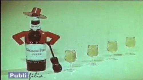 Mítico anuncio de las botellas bailarinas de Tío Pepe, creado en los Estudios Moro