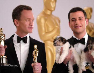 Neil Patrick Harris y Jimmy Kimmel anuncian los Oscar 2015 con perritos