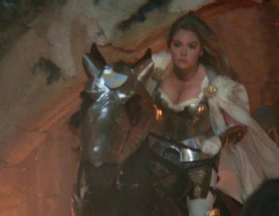 """Kate Upton, una voluptuosa guerrera en el anuncio de """"Game of War"""" de la Super Bowl 2015"""