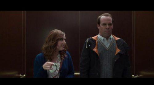 """'Saturday Night Live' parodia la escena del ascensor de """"Cincuenta sombras de Grey"""""""