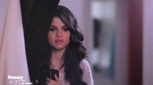 """Selena Gomez y Nick Kroll parodian """"Cincuenta sombras de Grey"""" en """"Fifty Shades of blue"""""""