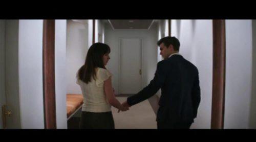 """Nada es blanco o negro en este spot de """"Cincuenta sombras de Grey"""""""