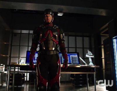 Primera aparición de Átomo en 'Arrow'