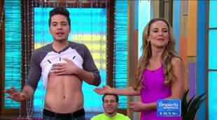 Ximena Córdoba desnuda a William Váldes en 'Despierta América'
