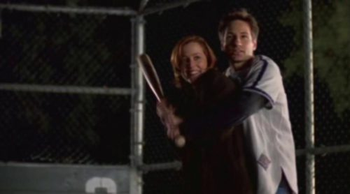 Mulder y Scully se besan en 'Expediente X'