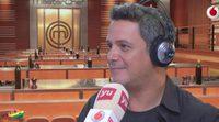 Alejandro Sanz ejerce de jurado de 'Masterchef' en el programa de Dani Mateo