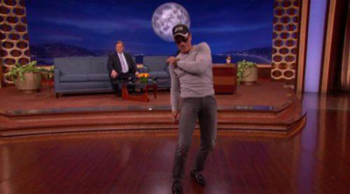 """Jean-Claude Van Damme recrea el baile de """"Kickboxer"""" 26 años después"""