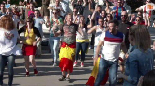 El flashmob de los eurofans españoles a Edurne en Viena
