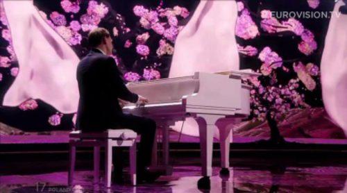 Eurovisión 2015: Actuación de Polonia, Monika Kuszynska - In The Name Of Love