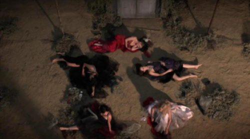 Hanna, Spencer, Emily, Aria y Mona luchan por sobrevivir en esta promo de la sexta temporada de 'Pretty Little Liars'