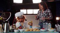 Patricia Heaton intenta hablar con el Chef en la nueva promo de 'The Muppets'