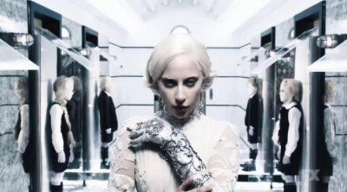 Lady Gaga cree estar en uno de sus videoclips en el último teaser de 'American Horror Story Hotel'