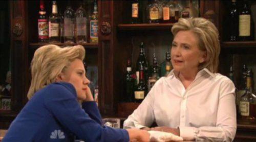 Hillary Clinton participó por sorpresa en 'SNL' imitando a Donald Trump y cantando