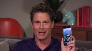 """Rob Lowe enseña a usar Grindr, """"una aplicación para los fans de 'The Grinder'"""""""